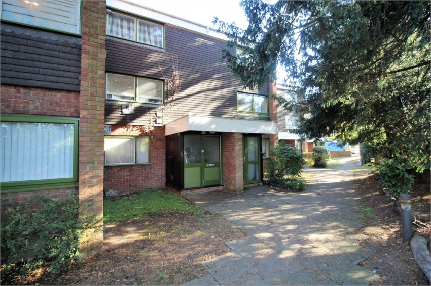 Images for Parkside Road, READING, Berkshire EAID:2941060700 BID:8425301